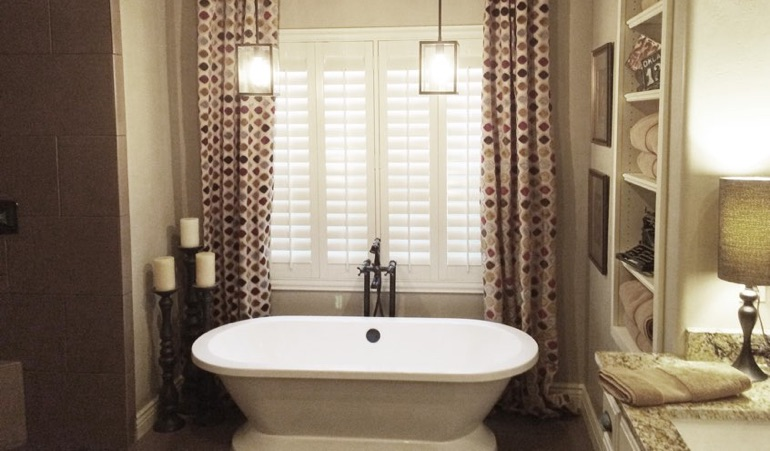 Polywood Shutters in Southern California Bathroom